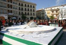 Celebración del jueves lardero y el hornazo gigante de Fernán Núñez