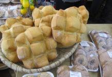 Andalucía con pan, dulces y aceite