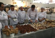 Jurado evaluando en el II Campeonato Nacional de panadería artesana