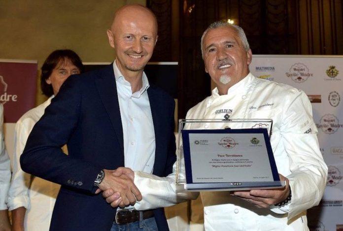 Premio a Paco Torreblanca por el