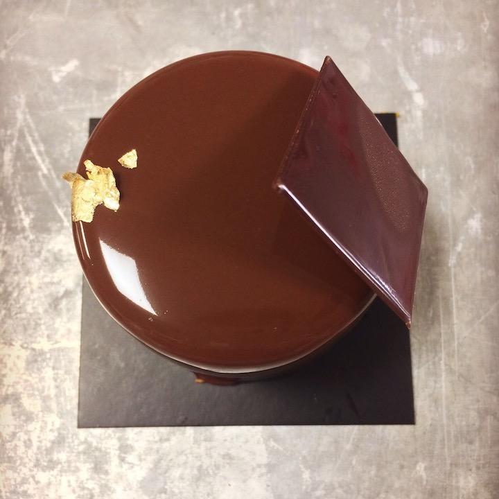 Chocolate negro y cremoso de chocolate blanco - Calitos café y degustación