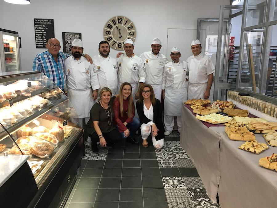 Inauguración de La Tahona del artesano en San Fernando - Grupo al completo