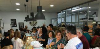 Lleno absoluto en la inauguración de La Tahona del artesano en San Fernando