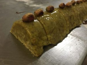 Curso de pastelería de Navidad en Motril - turrón de almendras y pistacho