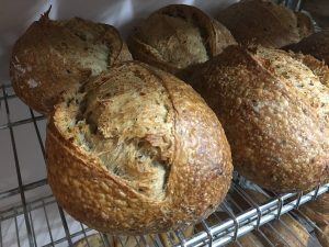 Conociendo a Baking bread: pan integral semillas