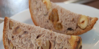 Pan de vino y nuez