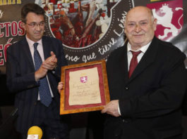 Homenaje a maestro repostero Santiago Pérez