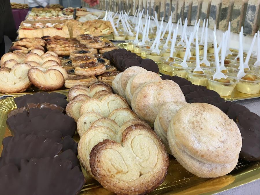 Inauguración de La Tahona del artesano en San Fernando - Detalle degustación