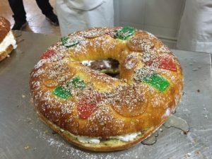Curso de pastelería de Navidad en Motril - Roscón de reyes relleno