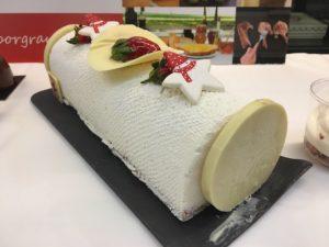 Presentación postres navideños 100% Sabor Granada - Tronco Tarta de queso