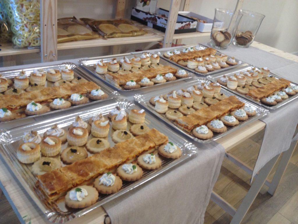 Panadería Pastelería Alcolado inauguración - canapés
