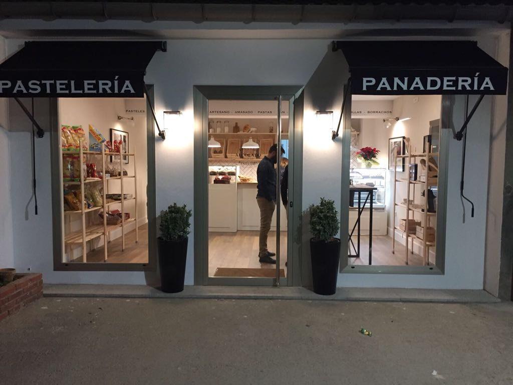 Panadería Pastelería Alcolado inauguración - fachada