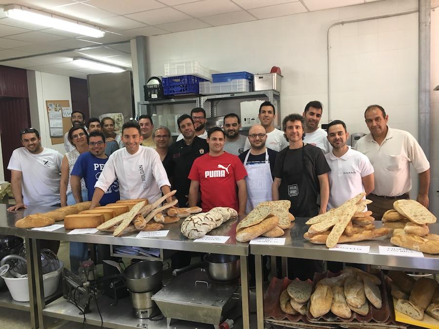 Curso panes de siempre 2.0. con José Roldán en Jerez. Grupo y buffet